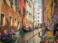 """Veneţia reduce numărul de locuri în gondolă, din cauza turiştilor supraponderali: """"Să înaintezi cu mai mult de o jumătate de tonă la bord e periculos"""""""