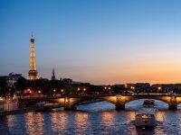 """Francezii și-au recâștigat Parisul, după ce valul de turiști din toată lumea a fost oprit de pandemie. Localnicii gustă din nou viața boemă din """"Orașul Luminilor"""""""