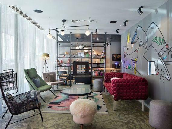 Cum arată primul hotel pentru Millennials din București. Lituanienii de la Apex Alliance Hotel Management au deschis Moxy Bucharest Old Town, sub brand Marriott