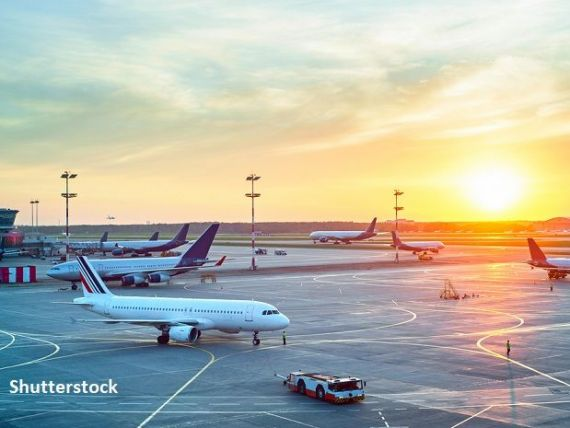 Cum se reinventează giganții aerieni în timp ce granițele sunt închise de pandemie. Livrează alimente la domiciliu, survolează Antarctica sau vând bilete spre nicăieri