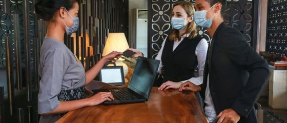 Patronii spun că în România au fost concediați cei mai mulți angajați din hoteluri dintre țările UE. Statul promite granturi de 350 mil. euro pentru industria ospitalităţii