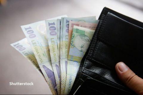 Salariul mediu net a crescut cu 119 de lei în iunie și a ajuns la 3.298 lei. Unde lucrează românii care primesc peste 7.500 lei în mână, lunar