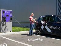 OMV Petrom şi Enel X vor instala 10 staţii de reîncărcare rapidă pentru maşini electrice, în benzinării