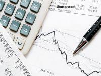 """BCR previzionează o scădere economică de 4,7% în acest an. """"Este puţin probabil să mai avem o carantinare totală"""""""