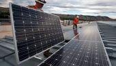 Ministerul Economiei a publicat ghidul programului  Electric Up , prin care firmele care vor să producă energie fotovoltaică pot primi granturi de până la 100.000 de euro