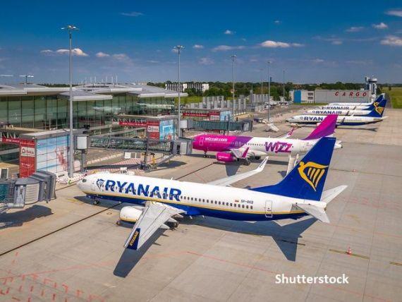 Numărul de curse și de pasageri transportați de Ryanair și Wizz Air în decembie s-a prăbușit, pe fondul noilor restricții impuse din cauza pandemiei