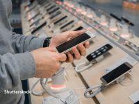 După doi ani de stagnare, piaţa smartphone-urilor a fost lovită masiv de pandemie. Vânzările s-au prăbușit în prima jumătate a anului