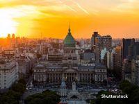 Argentina a evitat al nouălea faliment din istorie, după ce a obţinut restructurarea unor datorii în valoare de 66 de miliarde de dolari