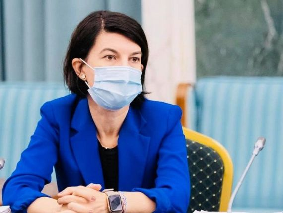Ministrul Muncii, Violeta Alexandru, diagnosticată cu COVID-19