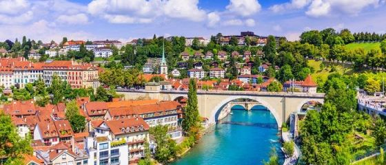 Elveţienii au respins, prin referendum, limitarea liberei circulaţii a lucrătorilor din UE. Românii au acces liber pe piața muncii în Țara Cantoanelor din 2019
