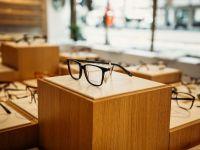 (P) Vino în magazinele celui mai mare lanț de optică din România cu vechea pereche de ochelari și vei primi la schimb până la 500 de lei pentru o nouă achiziție! Ce paşi trebuie să urmezi