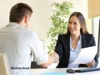 Sondaj BestJobs: Mai mult de jumătate dintre angajați iau în calcul schimbarea locului de muncă în 2021. Salariul și lipsa oportunităților în carieră, principalele motive