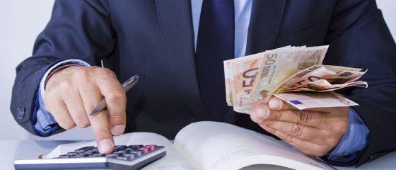 BNR: Investiţiile străine directe au scăzut cu 68% în primele opt luni