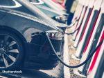 Analiză: Vânzările de maşini electrice vor creşte anual cu 30%, în următorii zece ani. La finalul deceniului, una din trei maşini vândute la nivel global va fi  verde