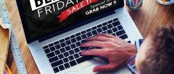 Americanii au făcut, de Black Friday, cumpărături online record de 9 miliarde de dolari. În schimb, traficul în magazinele tradiționale s-a înjumătățit