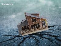 Românii sunt nemulţumiţi de casele lor și ar face investiţii în decoraţiuni şi mobilier nou, dar subestimează riscurile care le ameninţă locuinţele, ca incendiile sau cutremurele