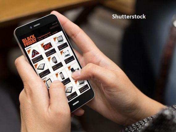 Analiză: Vânzările online de Black Friday vor crește cu 40%, comparativ cu anul anterior. Mai mult de jumătate dintre români vor să facă achiziții în  vinerea neagră