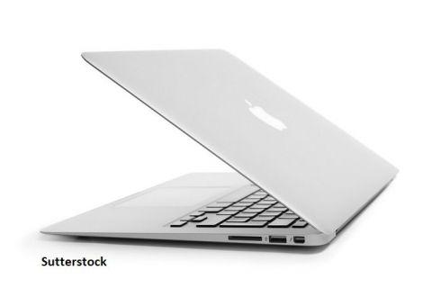 Apple a prezentat primul notebook MacBook Air prevăzut cu un microprocesor propriu, marcând ruptura de Intel după o colaborare de 15 ani