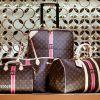 Analiză: Vânzările de produse de lux vor înregistra în acest an cea mai mare cădere din istorie. Doar în China luxul se vinde bine