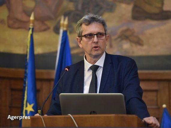 Economistul-șef al BNR propune săptămâna de lucru de 4 zile și tăieri de salarii la bugetari, pentru reducerea cheltuielilor și scăderea deficitului. Lazea:  Va fi necesară și o creştere a ratelor de impozitare