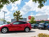 """Două mașini construite de Tesla, Model S şi Model Y, nu mai sunt """"recomandate"""" de organizaţia Consumer Reports. Ce probleme au automobilele lui Elon Musk"""