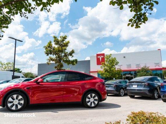Două mașini construite de Tesla, Model S şi Model Y, nu mai sunt  recomandate  de organizaţia Consumer Reports. Ce probleme au automobilele lui Elon Musk