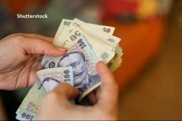 Guvernul a aprobat majorarea salariului minim brut la 2.300 lei. Minimul pentru studii superioare îngheață la nivelul de anul trecut
