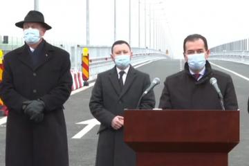 Preşedintele şi premierul au inaugurat primii kilometri din A7 - varianta ocolitoare Bacău. Orban:  Moldova va beneficia de ample proiecte de investiţii, în următorii 4 ani