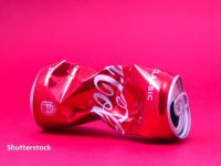 Coca-Cola va desfiinţa 2.200 de locuri de muncă la nivel global, peste jumătate în SUA