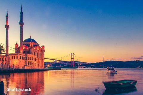Turcia estimează 25 de milioane de vizitatori străini în acest an, la jumătate față de perioada dinaintea pandemiei.  2021 este anul târârii şi al ridicării