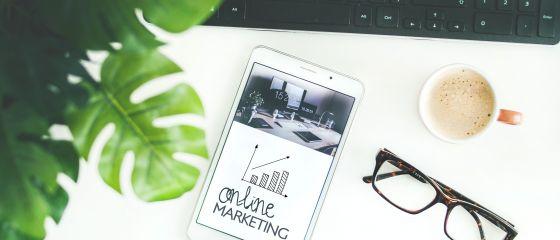 Două treimi dintre antreprenorii români investesc între 5.000 şi 50.000 de euro în branding şi marketing online