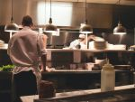 (P) Trei categorii de produse esențiale pentru dotarea unui restaurant