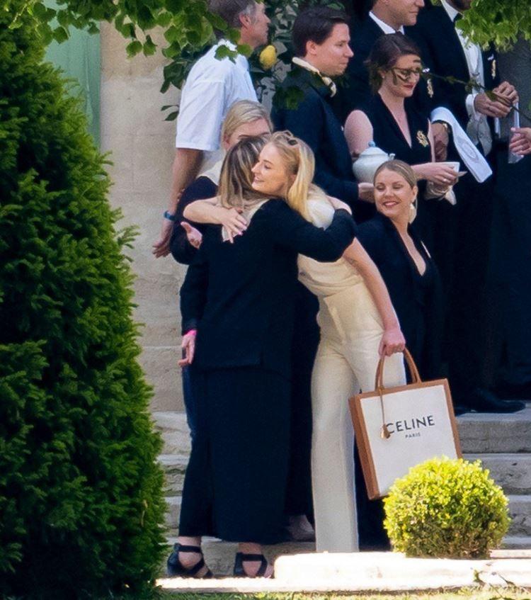 Dating Femei franceze pentru nunta)
