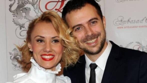 """""""Bebelusa"""" Oana Ionita si logodnicul ei, Florin Budnaru, sunt de acum sot si sotie. Vezi fotografii de la nunta"""