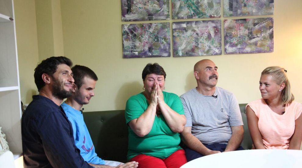 "O casa renovata si sansa la o viata mai buna! Echipa ""Visuri la cheie"" a adus din nou speranta"