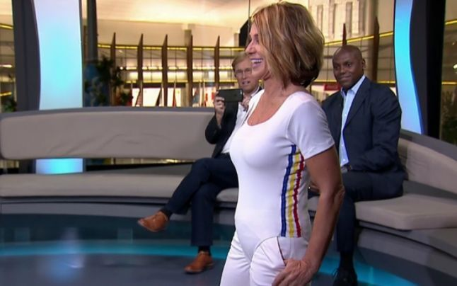 Nadia Comaneci a refacut exercitiul de la Montreal. A fost aplaudata in picioare de cei prezenti