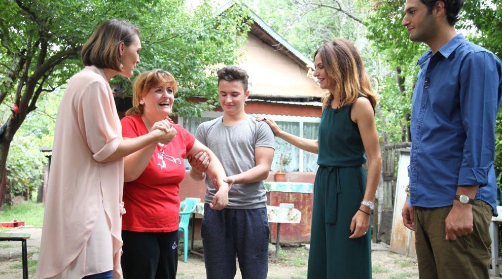 Echipa Visuri la cheie a construit de la 0 o casa pentru o familie greu incercata de viata. Vezi imaginile