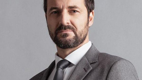 Ștefan Dragomir (Andrei Aradits)