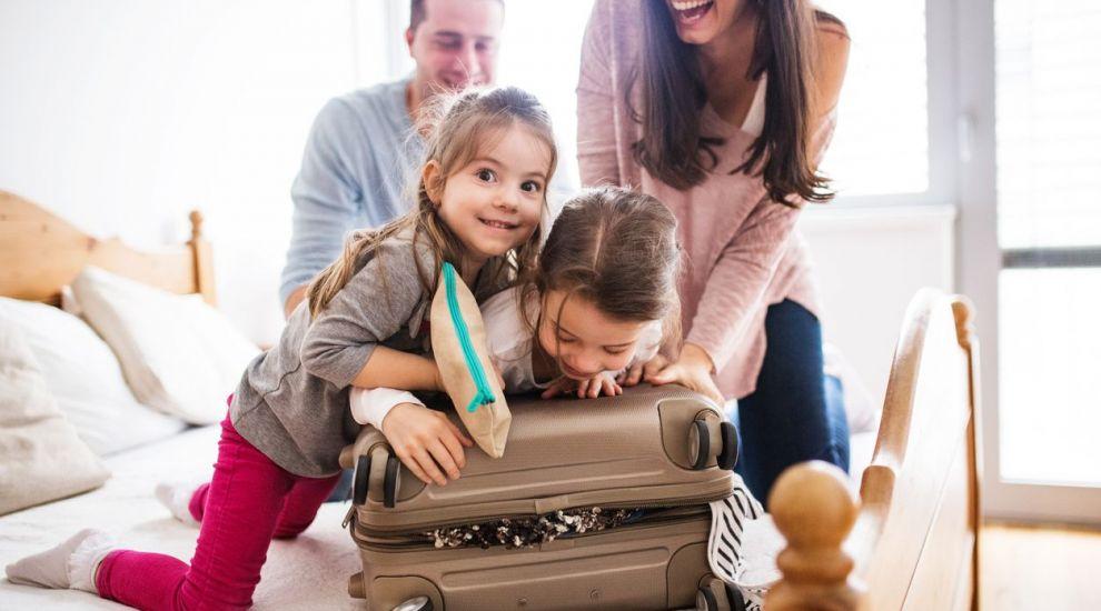 VIDEO Cum ne organizăm vacanța cu familia