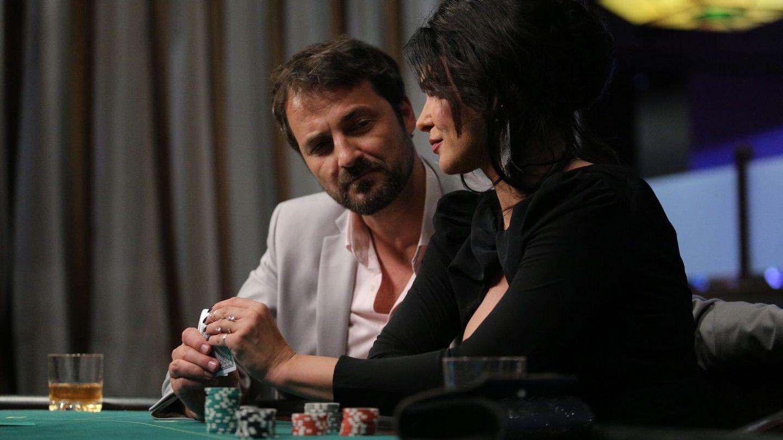 Leo ajunge aproape de Vlad, în viața lui Ștefan își face apariția Carla! Răsturnări de situație, luni, în serialul VLAD!