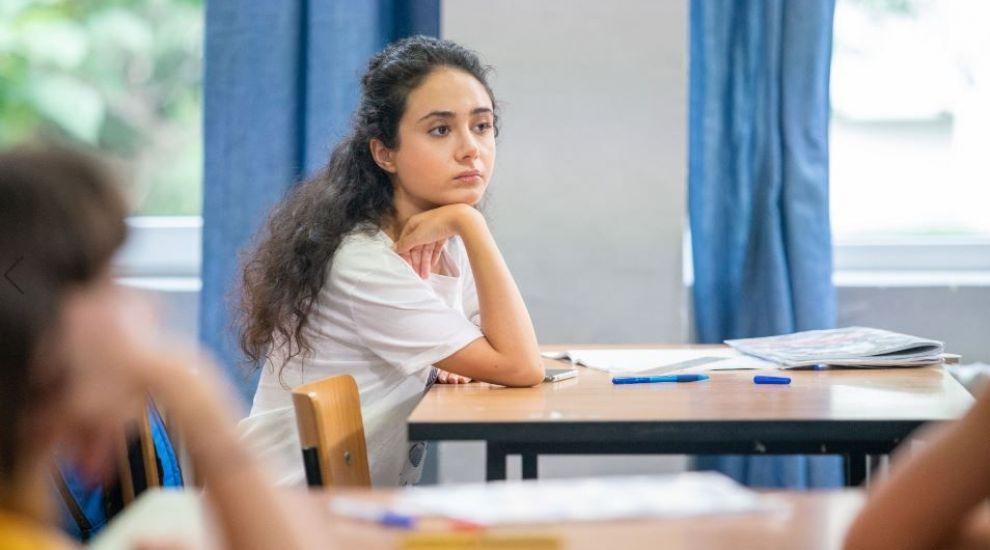 Cine e Azaleea Necula, simpatica din Profu', aleasă din sute de candidate la rolul Taniei
