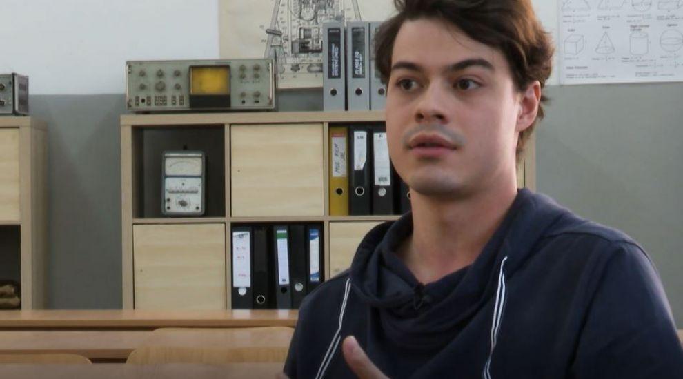 """Iacob Paștina, sau """"Renato"""", e unul dintre băieții """"cool"""" din Profu'"""