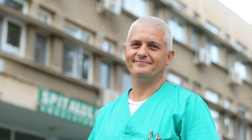 Virgil Ianțu este neurochirurg în serialul Profu`