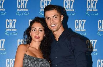 Iubita lui Ronaldo, posterior mai sexy ca al lui Jennifer Lopez. Cum arată într-o pereche de pantaloni mulați de piele