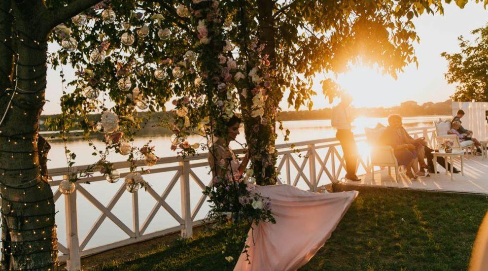 (P) Unde să-ți organizezi petrecerea de nuntă în funcție de anotimpul preferat?