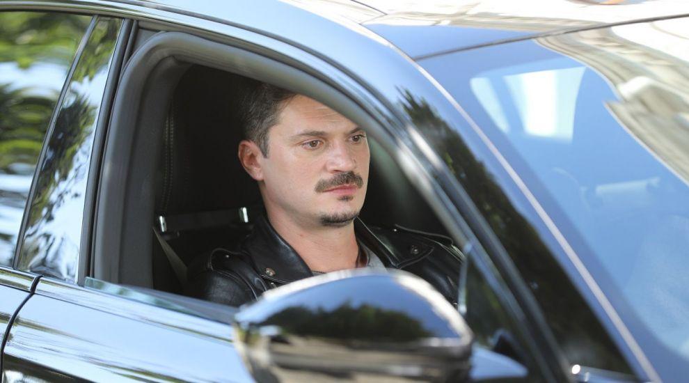 Fii Leo pentru o zi! Câștigă un test drive cu un Peugeot 508, mașina condusă de Leo în serial