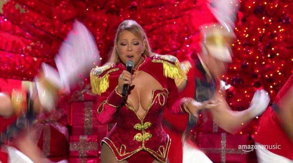 Ce-și dorește Mariah Carey de Crăciun. Printre altele, o vilă de 22 milioane de dolari și sanie trasă de reni