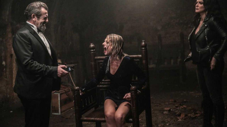 Vlad este la un pas de moarte, iar Miki torturată! Urmăriți serialul luni, pentru a afla ce se întâmplă cu ei!