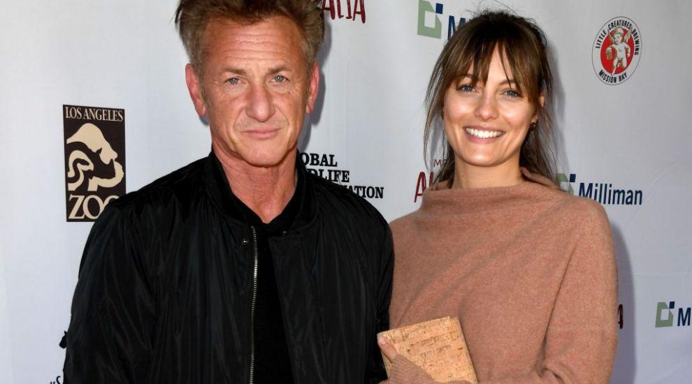 Sean Penn s-a căsătorit în secret cu partenera lui. Cine e femeia cu 31 de ani mai tânără care l-a cucerit pe actor