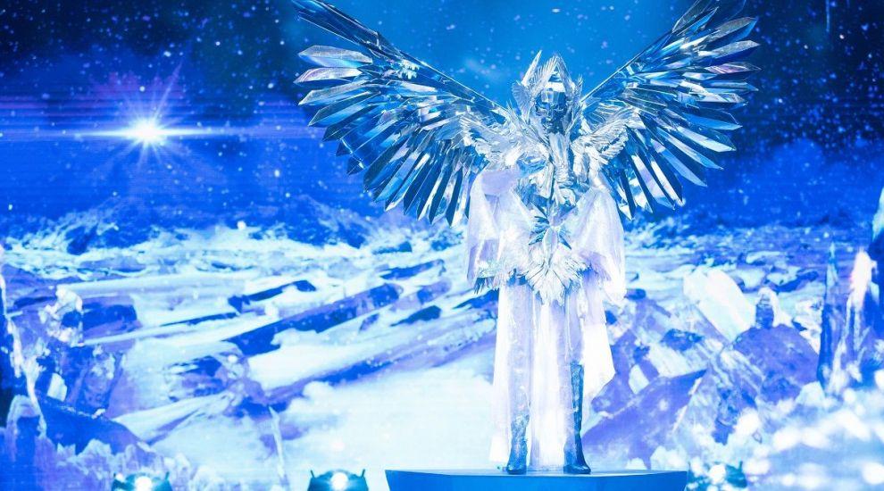 Masked Singer: Îngerul a avut o voce care s-a potrivit perfect măștii alese. Ana Morodan a izbucnit în lacrimi